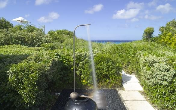 Amanyara Villas – Oceanfront Shower