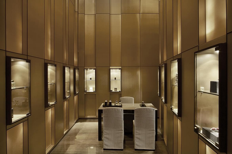 0280_Armani-Dubai_20110408