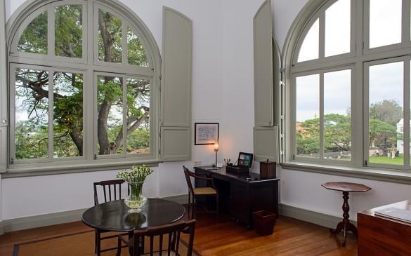 10 Galla Suite Lounge Area