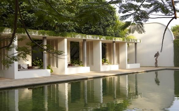 10 Galla Swimming Pool