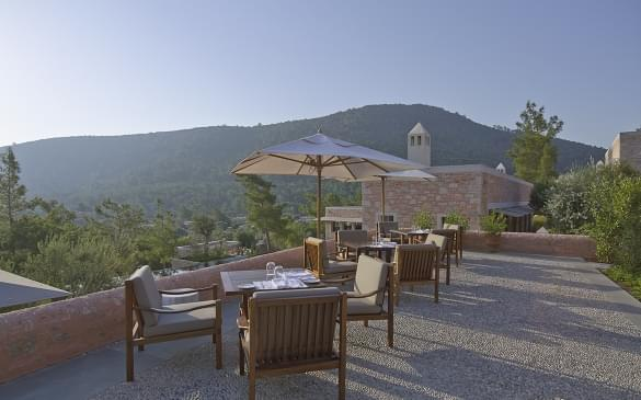 Amanruya – Dining Terrace