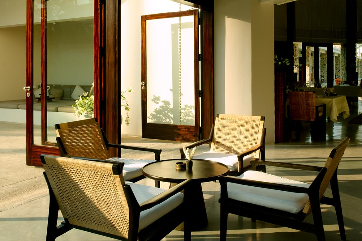 Amansara – Courtyard Seating