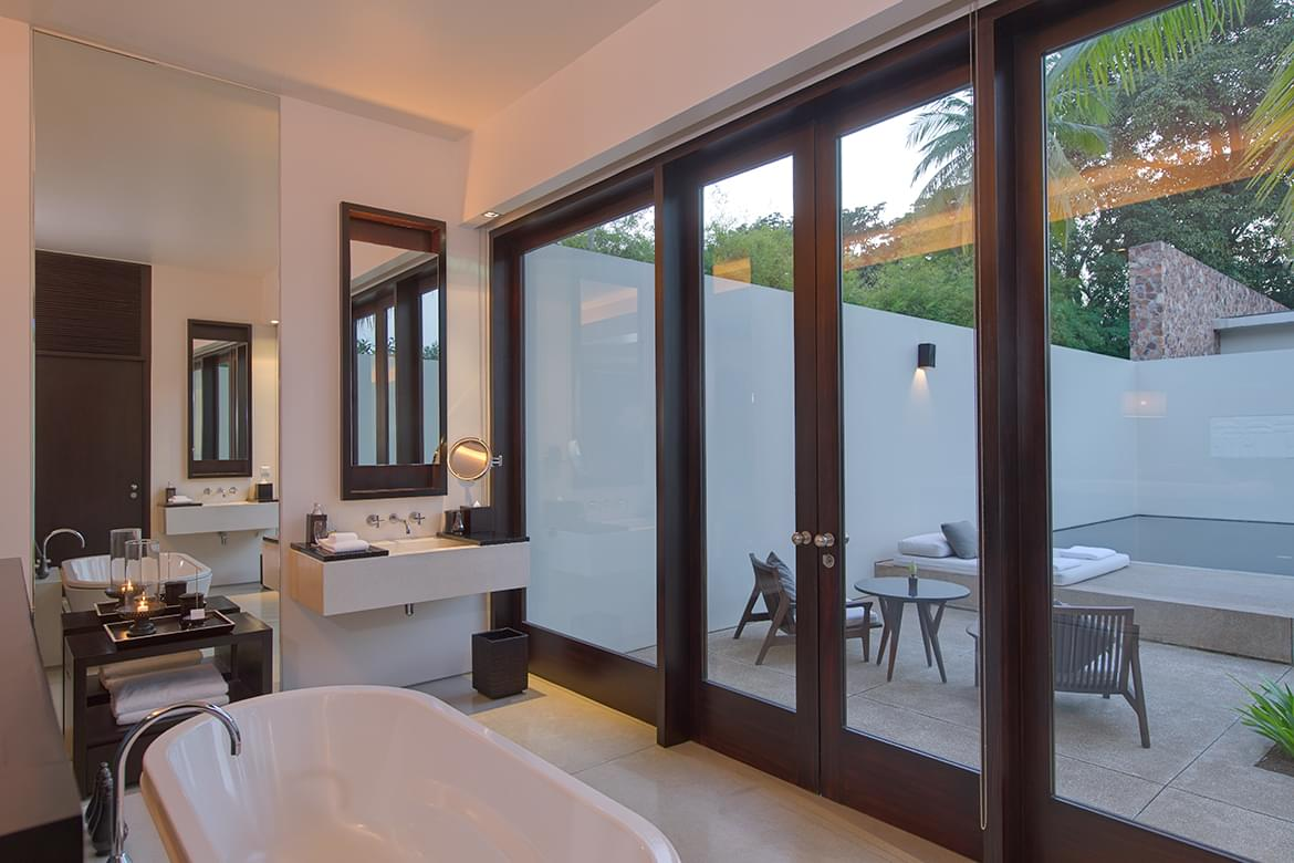 Amansara – Suite Bathroom