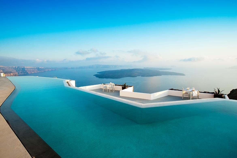 Grace Santorini swimming pool