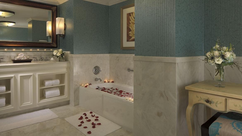 Ritz-CarltonGrandeLakes_20141201_1063.jpg