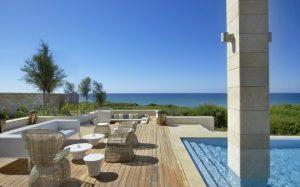 the romanos resort greece